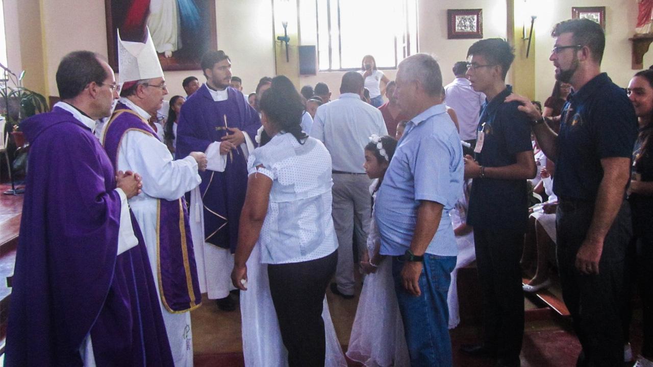 Reciben sacramentos de Iniciación Cristiana en Picota